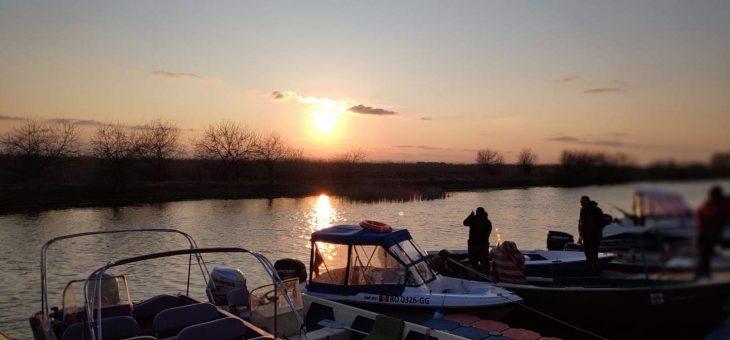 pentru cei care intră fără permis de acces, cu barca sau mașina, în perimetrul Rezervației Biosferei Delta Dunării
